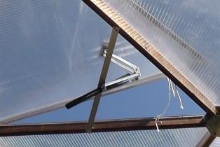greenhouse-vent-opener-gigavent-large