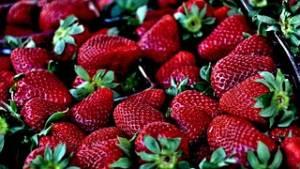 strawberry-629180__180