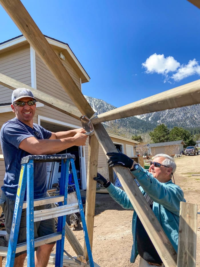 Weldon & Father in law building the Nevada greenhouse